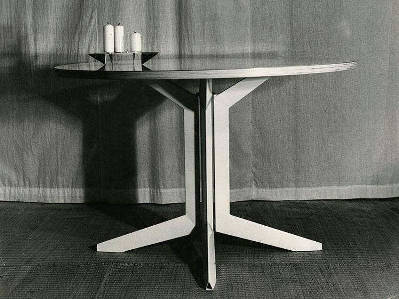 Tischsystem   Tisch (Prototyp) Mit Bergeru0027s Kerzenständer